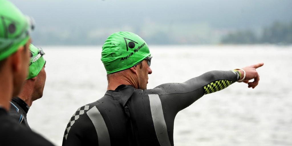 Schwimmstart im Schliersee Alpen-Triathlon Schliersee am 22.06.2013 Copyright by : sampics Photographie Bierbaumstrasse 6 81243 Muenchen TEL.: ++49/89/82908620 , FAX : ++49/89/82908621 , E-mail : sampics@t-online.de Bankverbindung : Hypovereinsbank MŸnchen Konto : 1640175229 , BLZ 70020270 weitere Motive finden sie unter : www.augenklick.de