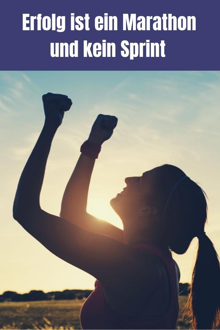 Viele Ratgeber suggerieren dir, dass in kurzer Zeit alles erreichen kannst. Das stimmt aber nicht, denn Erfolg ist immer ein Marathon und kein Sprint.
