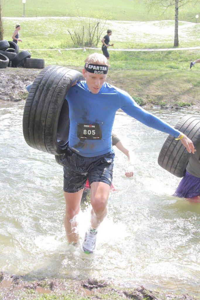 OCR Rennen laufen? Trainer Uwe Kauntz verrät dir, wie du dich optimal auf dein erstes Obstacle Course Race vorbereitest.